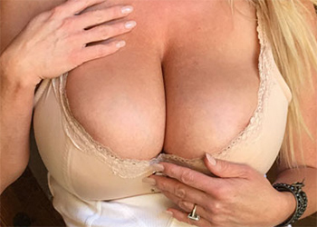 Kelly Madison Nude Cabin Fever