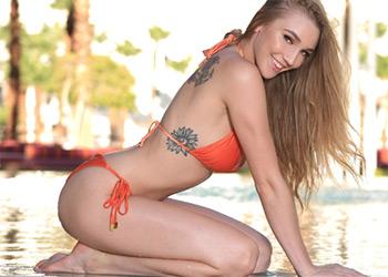 Kendra Sunderland bikini