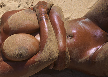 Kiky Nude Beach Curves