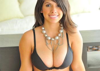 Leila Busty Black Lingerie