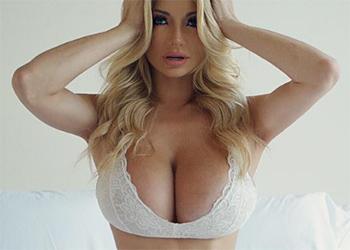 Lindsey Pelas Sexy Bloopers
