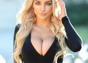 Lindsey Pelas boobs