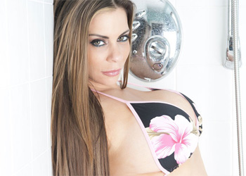 Linsey Dawn McKenzie Wet and Wild Shower
