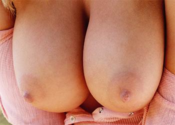 Lisa Neils pink boobs