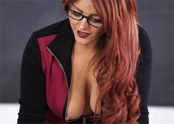 Lizzie Big Tits Boss Downblouse