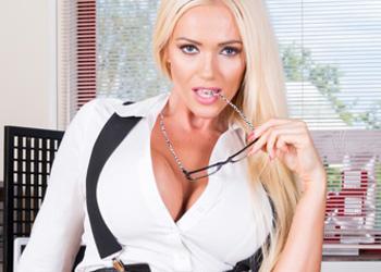 Lucy Zara Spread Secretary