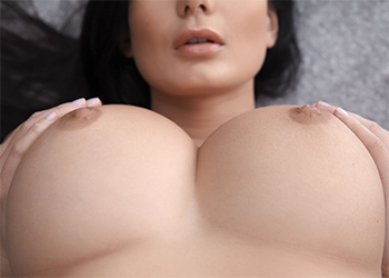 Lucy Li outside nudes