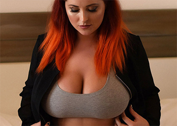 Lucy Vixen Thick Curves In Bed