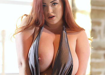 Lucy Vixen jugs nothing but curves