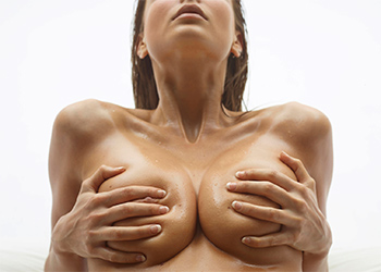Marisa Naked Oiled Body