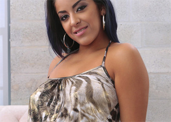 Mia Martinez Sexy Visit Latina