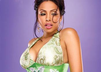 Nadia Curvy Showgirl