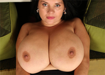 Nadia Thick Babe