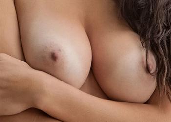Niemara Busty Erotica