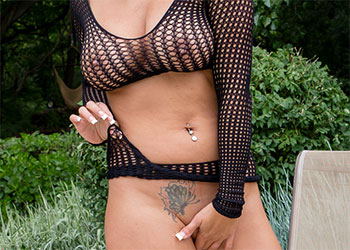 Nikki Sims black fishnet