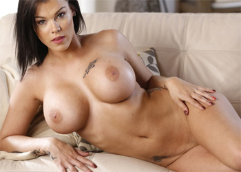 Peta Johnson Brunette MILF