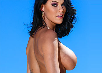 Peta Jensen in the city