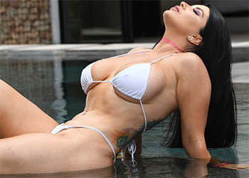 Romi Rain pounded by the pool brazzers