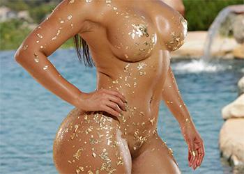 Rose Monroe glitter body