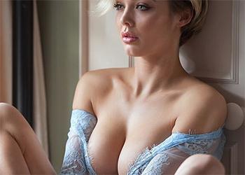 Rosie Robinson Super Busty Model