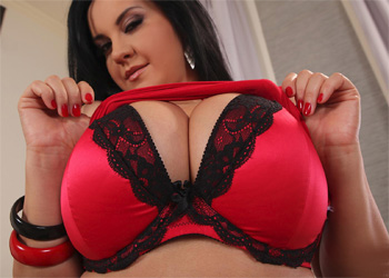 Roxana Red Silk Boobs DDF