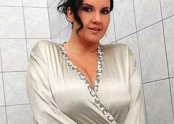 Roxana silk robe tits