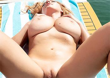 Sigal Acon boobs ahoy