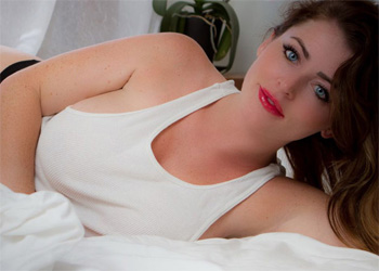 Sophie Dee In Bed