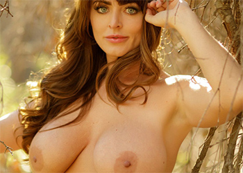 Sophie Dee Boobs In The Woods