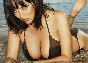 Sophie Howard nude beach