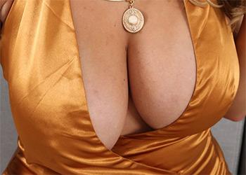 Suzie Q golden boobs