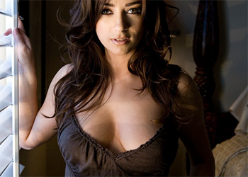 Taylor Vixen Dark Erotic Beauty
