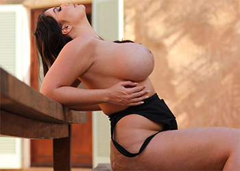 Terri Lou nothing but curves