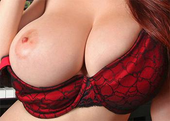 Tessa Fowler Piano Tits
