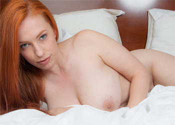Titania Thick Redhead In Bed Cosmid