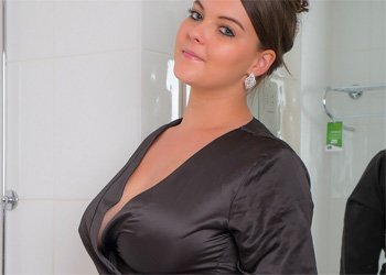 Toni Leanne Sensual Bath