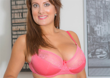 Vallory Pink Lingerie Cosmid