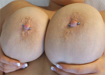 Victoria Scarlet Yes Boobs