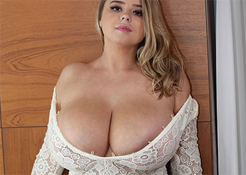 Vivian Blush fancy cleavage nude