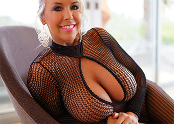 Wifeys World Black Fishnet Curves