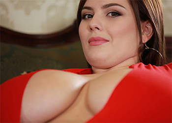 Xenia Wood Tight Red Dress