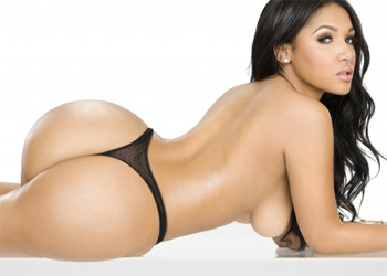 Yaris Sanchez Showgirl