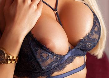 Yasmin lace lingerie